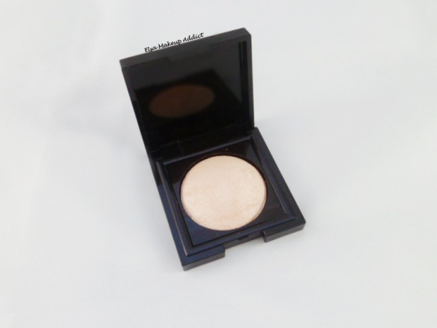 Matte Radiance Baked Powder Highlighter 01 Laura Mercier 3