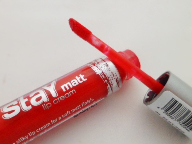Stay Matt Silky Red Essence 3
