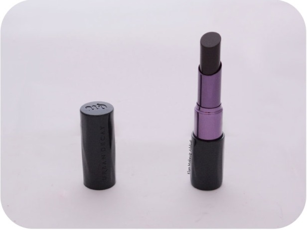 Matte Revolution Lipstick Blackmail Urban Decay 3