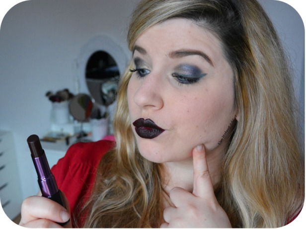 Matte Revolution Lipstick Blackmail Urban Decay 6