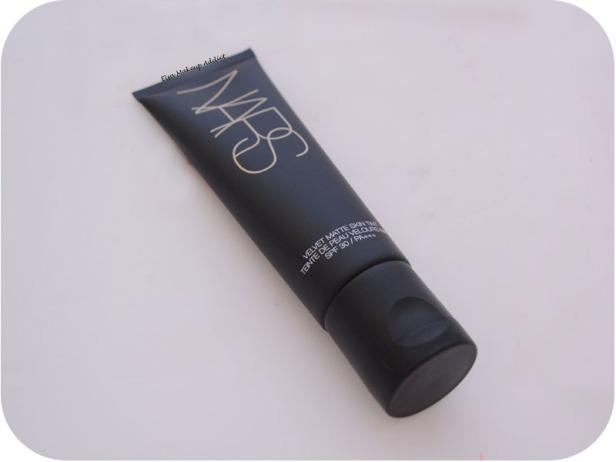 Velvet Matte Skin Tint Nars 3