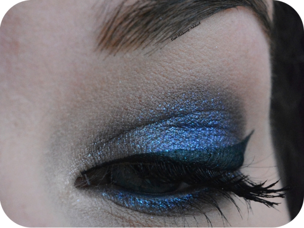 makeup-blue-vega-moondust-palette-urban-decay-2