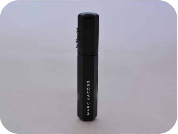 mascara-velvet-noir-marc-jacobs-2