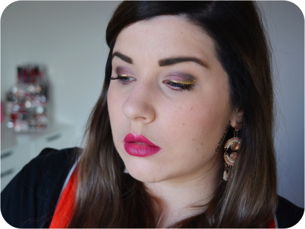 fall-burgundy-makeup-with-gold-liner-4