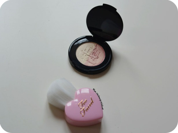let-it-glow-kit-too-faced-12