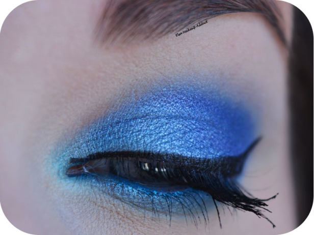 Blue Electric Makeup Huda Beauty 1